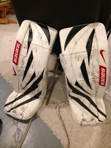 Men ice hockey goalie pads- Bauer