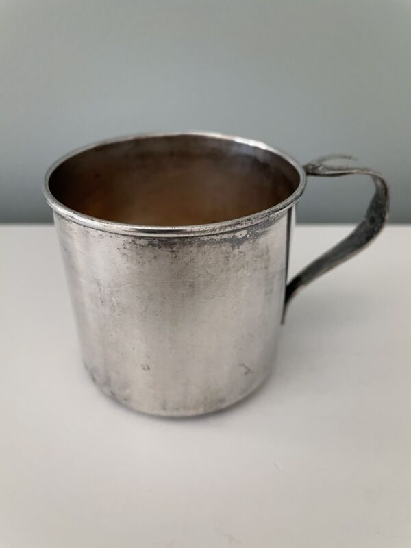VINTAGE INTERNATIONAL SILVER CO. Baby Cup With Spoon Handle 86 Grams