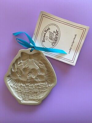Brown Bag Cookie Art Mold Easter Basket Chick Eggs 1984 with Recipe Book