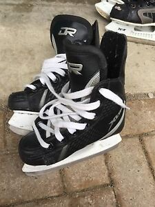 D&R Boys hockey skates size 11