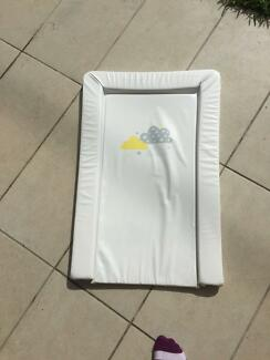 [BARGAIN] Change mattress - was used for guests - like new!