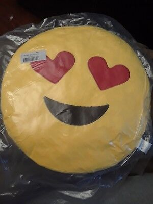 Emoji Pillow Plush Heart Eyes with Smile 32 cm Yellow Face Plush Smiley