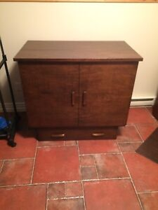 Cape Cod style cabinet bed 800$ OBO