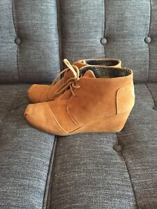 Toms suede bootie - size 9