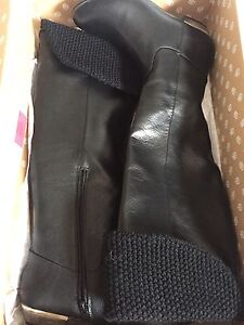 Woman's size 6 boots from spring