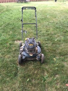 6.25hp yardworks lawnmower in caledon