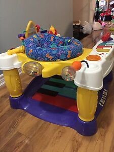 Piano jumper for babies and toddlers
