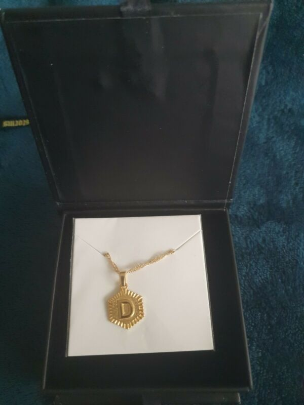 Anklet+%22D%22+never+used+or+opened