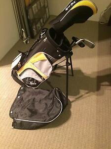 Kids golf bag and golf clubs. Age 3-5. Great starter set. Success Cockburn Area Preview