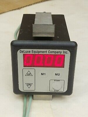 Deluxe Equipment Company Electronic Oven Timer 8322-2398-2000 Very Clean Works