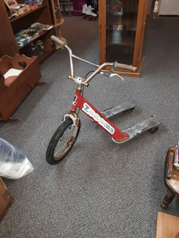 VINTAGE CAIFORNIA CHARIOT CO. ZOOOMA KICK SCOOTER