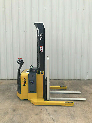 2012 Yale Walkie Stacker - Walk Behind Forklift - Straddle Lift Only 1422 Hours