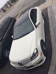 2012 Mercedes c300 fully loaded
