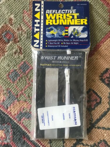 NATHAN Reflective Wrist Runner Wallet NEW