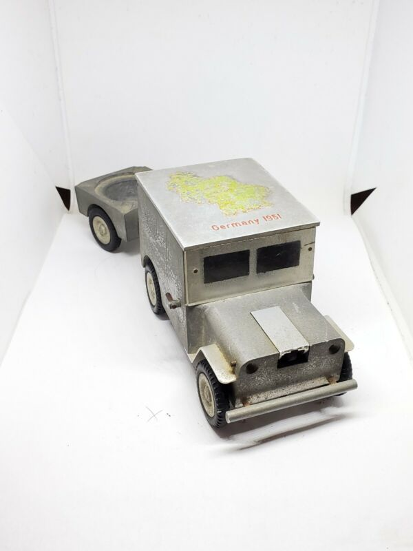 Vintage Baier Aluminum Willy Jeep & Trailer Germany 1951 Rolling Ashtray Lighter