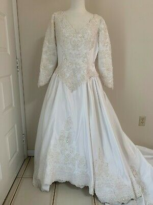 WEDDING DRESS -WHITE SIZE 38- EXTRA LONG TRAIN