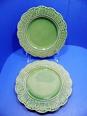 Bordallo Pinheiro Pottery Green Grape Leaf Dinner Plates Set of 2 Portugal