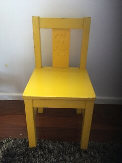 Cute kids / childs yellow chair VERY STURDY great condition
