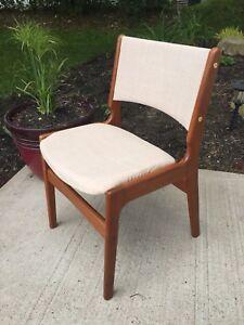 Teak Mid Century Modern Chairs/Denmark