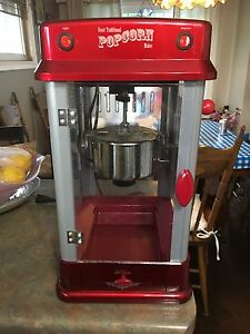 Old fashion popcorn maker