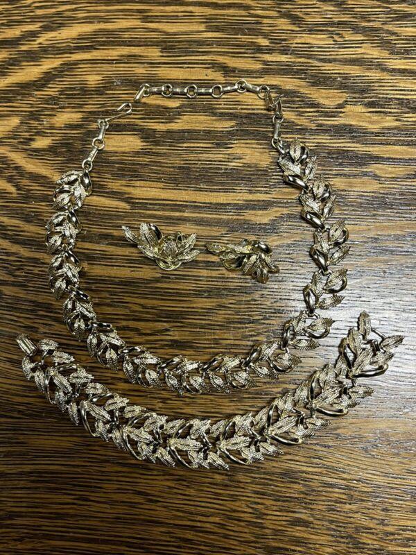 Beautiful Vintage Coro Set-Gold Tone-Necklace, Bracelet, Earrings