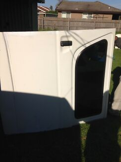 Toyota hiace 2006 side door for sale