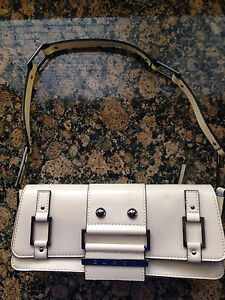 GUESS CLUTCH PURSE London Ontario image 1
