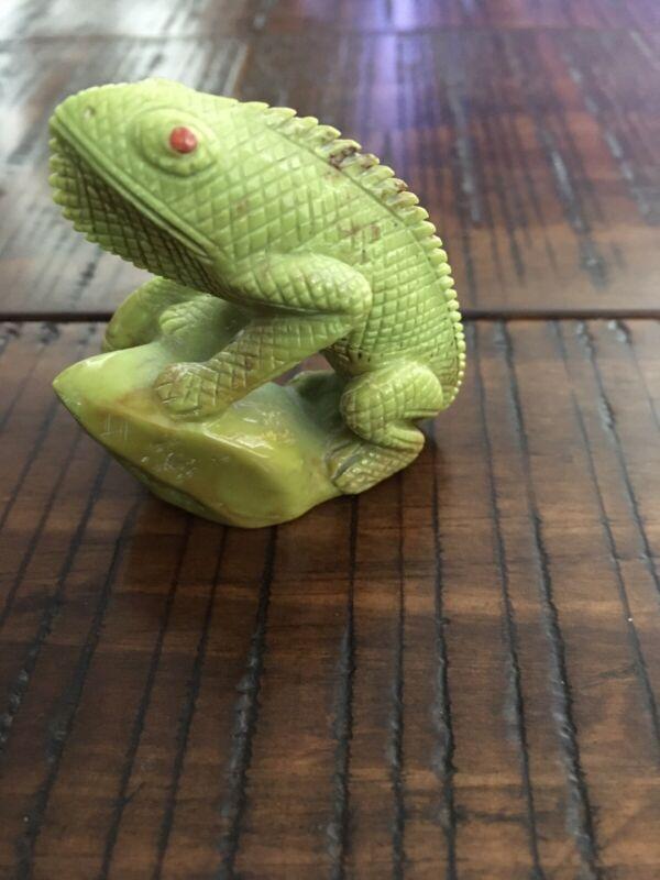 Zuni Lizard Fetish By Fabian Cheama
