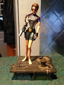Tomb Raider Collectable Figure Kitchener / Waterloo Kitchener Area image 5