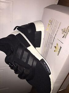 Brand Nmd black and white