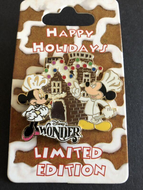 LE Disney Cruise Line Happy Holiday Pin LE 500 Mickey Pin
