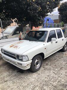 Toyota hilux Ute v6