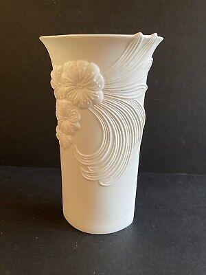 Kaiser Porcelain Vase White Blsque (Imprint M.Frey) Germany 740/2
