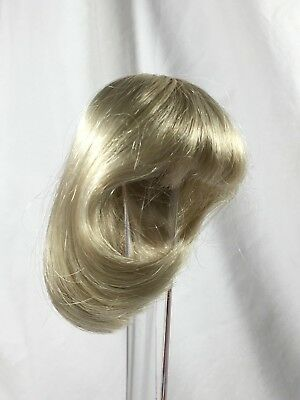 doll wig by Bell Ceramlcs size 7-8 Platinum Blond Heidi (11)