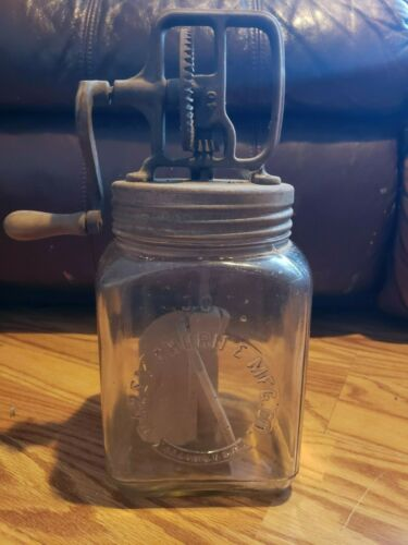 VINTAGE DAZEY number 30 3 Quart GLASS BUTTER CHURN