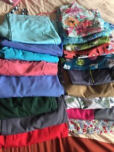 Scrubs size xs and sm