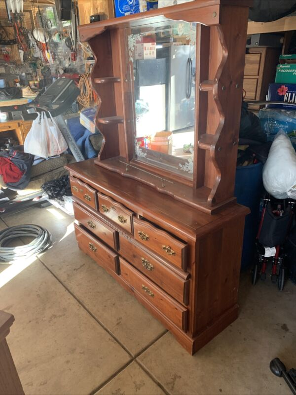 Drawer Dresser With Mirror Used Want It Gone. It's Been Sitting I'm The Garage