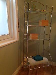 Articles pour salle de bain - étagère, miroir, porte-serviette