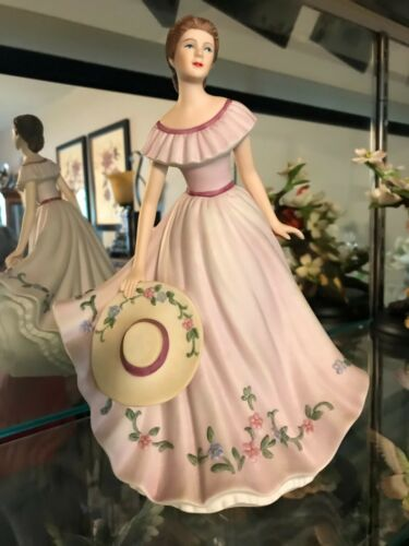 "2005 HOMCO Home Interiors ""Virginia Lynn"" Porcelain Figurine #12680-05 Mint"