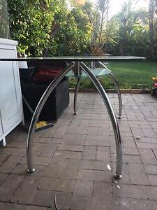 Glass Dining Table - great condition Caringbah Sutherland Area Preview