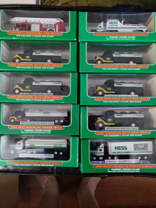 Hess toy truck lot NIB