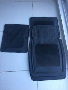 Universal heavy duty rubber car mats Black (2 front-2 back)