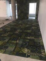 Pose de tapis, prélart, tuile de vinyle, bois flottant