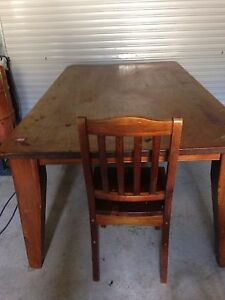 Dining table (very solid) negotiable Muswellbrook Muswellbrook Area Preview