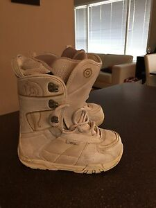 Women's Size 6 Snowboard Boots