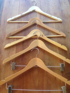 88 varnished wooden coat hangers