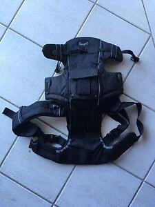 Snugli baby carrier - brand new (unwanted gift) New Lambton Heights Newcastle Area Preview