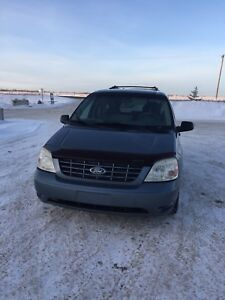 2004 Ford Freestar 4.2L Advanced Trac. ( NEG on price)