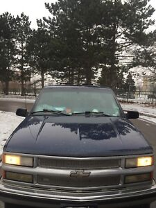 98 Chevy Silverado 1500 runs amazing and clean $2500