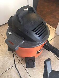 Vacuum cleaner Aspirateur